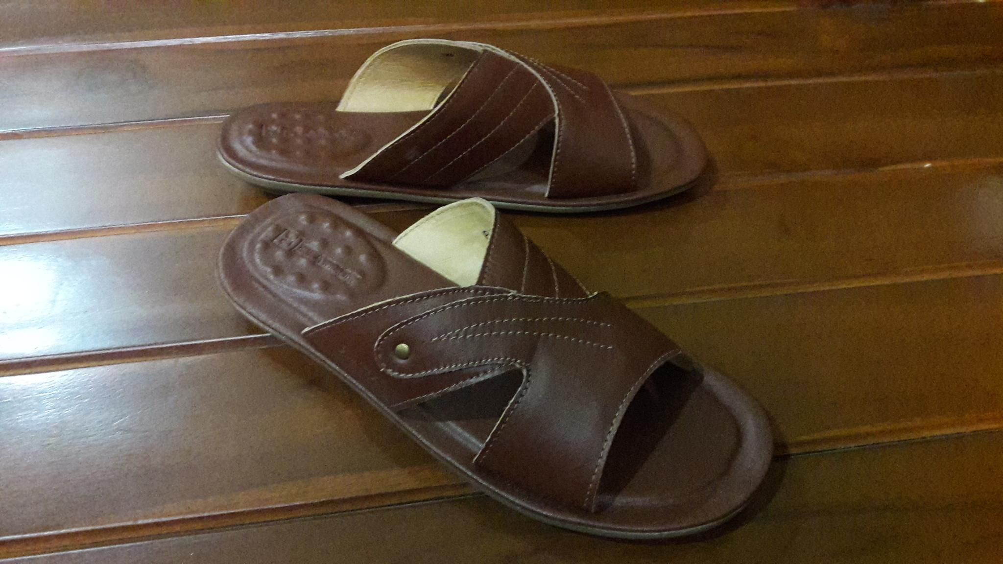 Sendal / Sandal Kulit Import Merk Playboy Original Ori Asli
