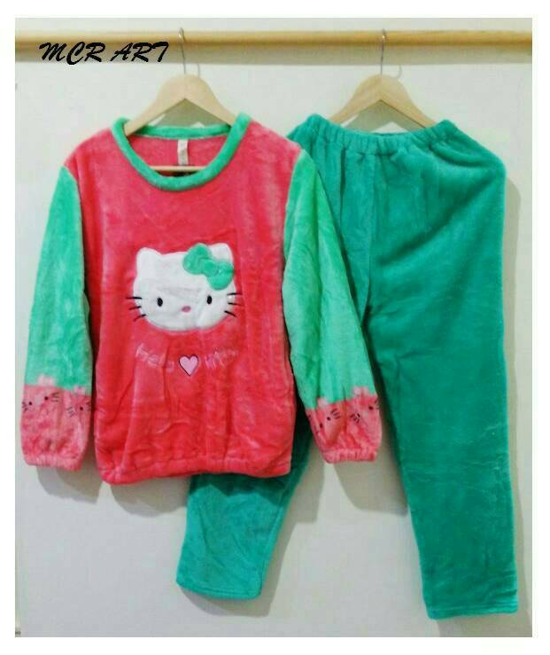 STHK329 - Setelan Panjang Hello Kitty Bludru Red Green