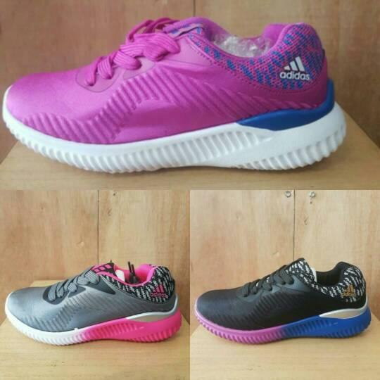 Sepatu Cewek Adidas Alphabounce (Sepatu Lari, Sepatu Senam)