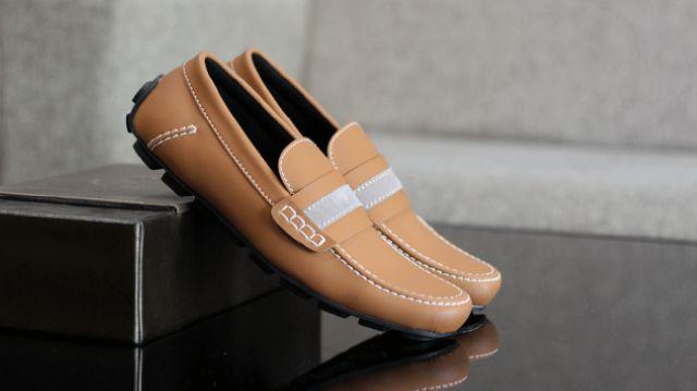 Sepatu Bally Mocasin Tan
