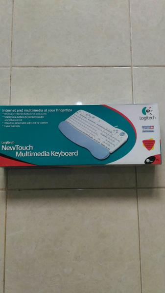 Keyboard Logitech Multimedia New Touch White