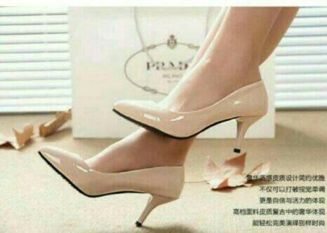 Sepatu Wanita Heel Heels Pantofel Glossy Cream Limited