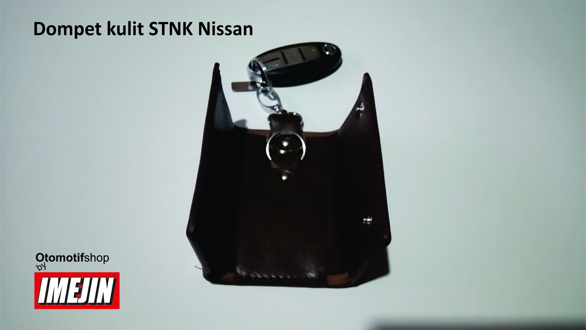 Gantungan kunci kulit Nissan