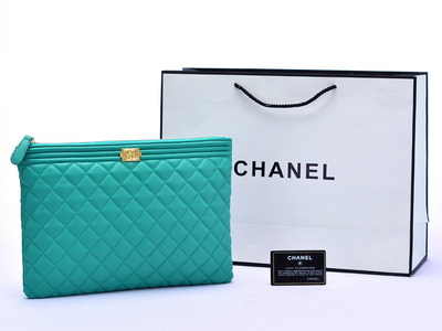 Pouch Chanel Boy Lambskin Medium Quilted Tosca AL515-2
