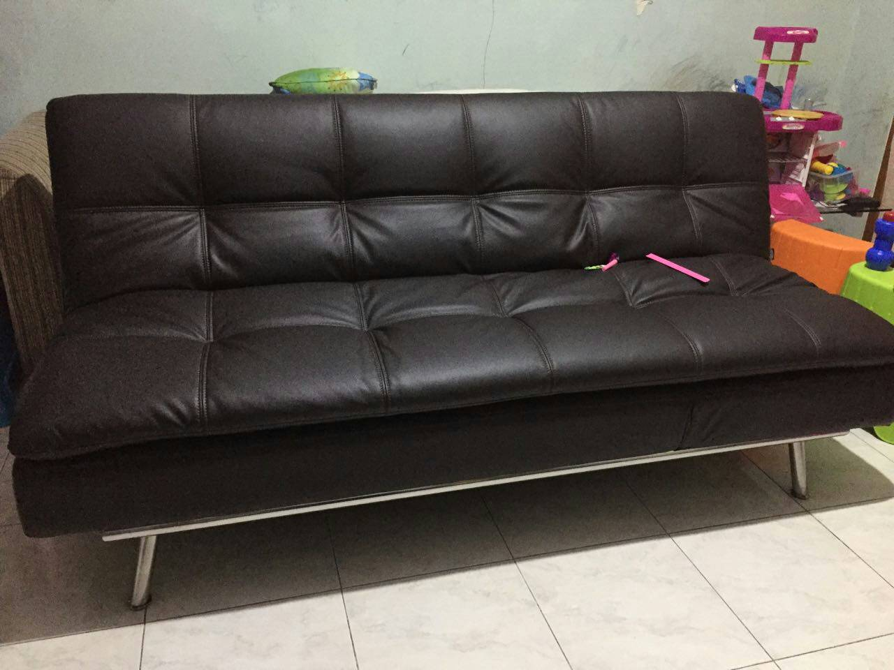 Informa furniture sofa bed for Sofa jakarta