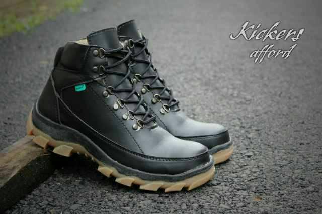 sepatu boot kickers afford hitam