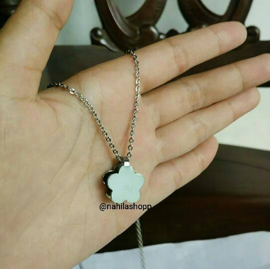 Kalung Silver 3D Flower / Monel Stainless Steel