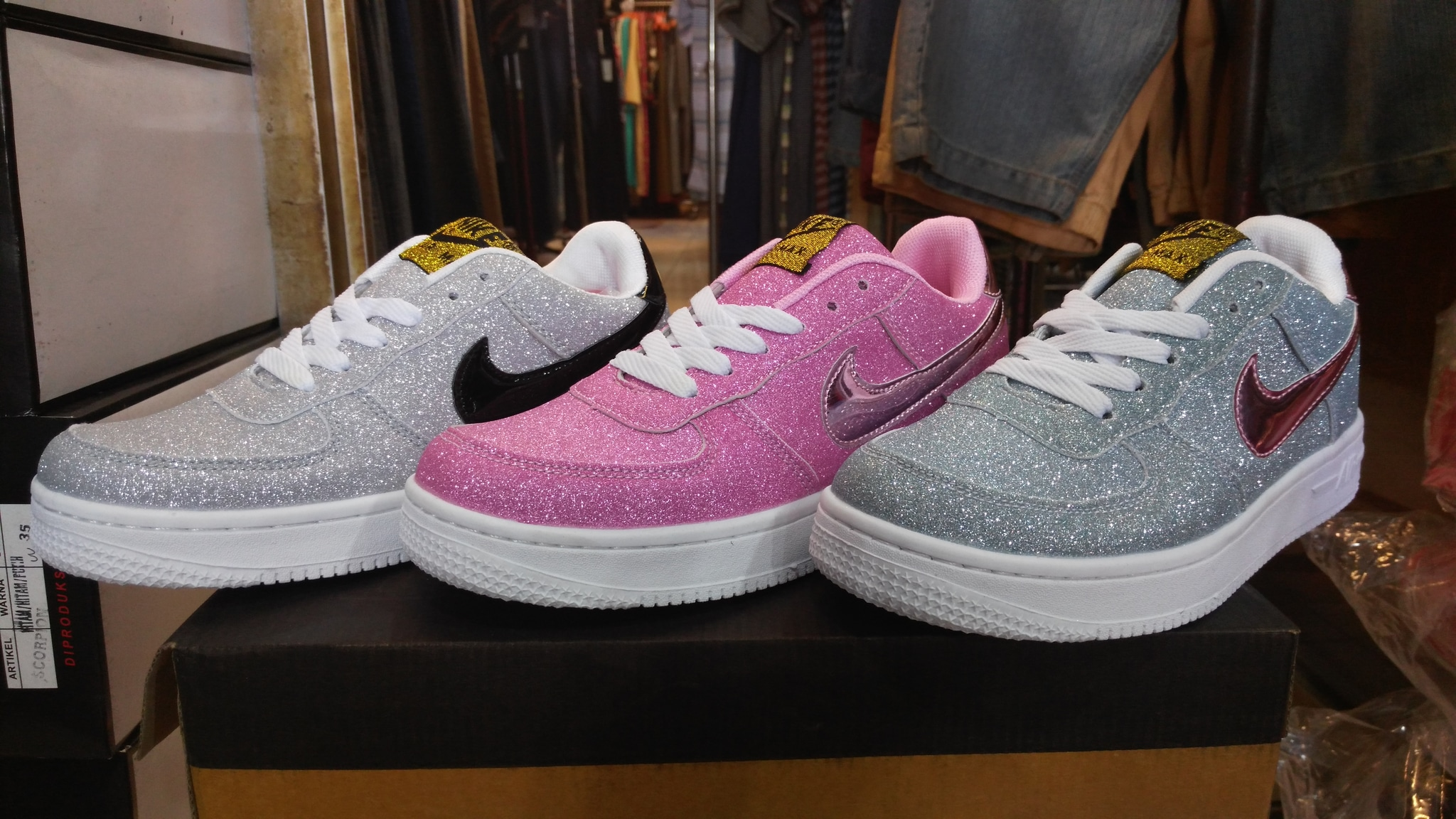 The On foot. Air Force 1 . All star pack