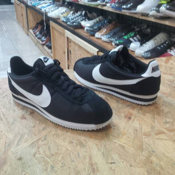 Sepatu NIKE CORTEZ Nylon Black White 807472 011 Original Indonesia