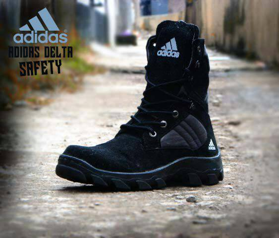 sepatu boots adidas
