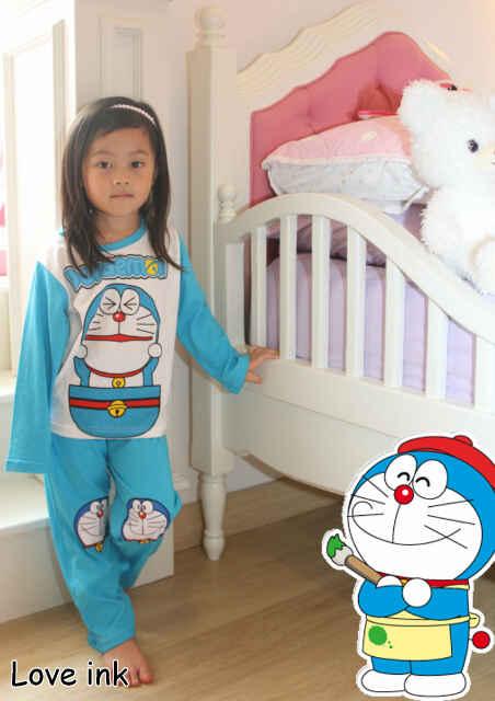 STKDDR31 - Setelan Piyama Anak Doraemon Peek Blue