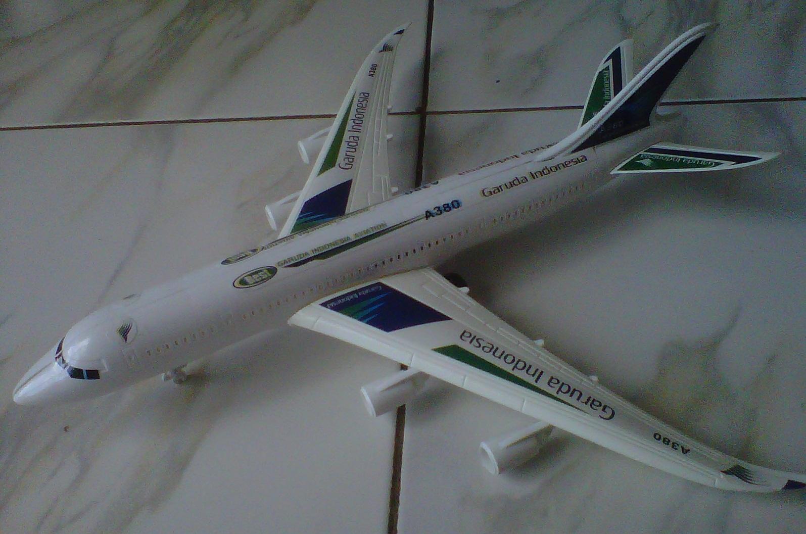 Kenz Mainan Koleksi Anak Miniatur Pesawat Air Asia Daftar Harga Source · Jual Miniatur Pesawat