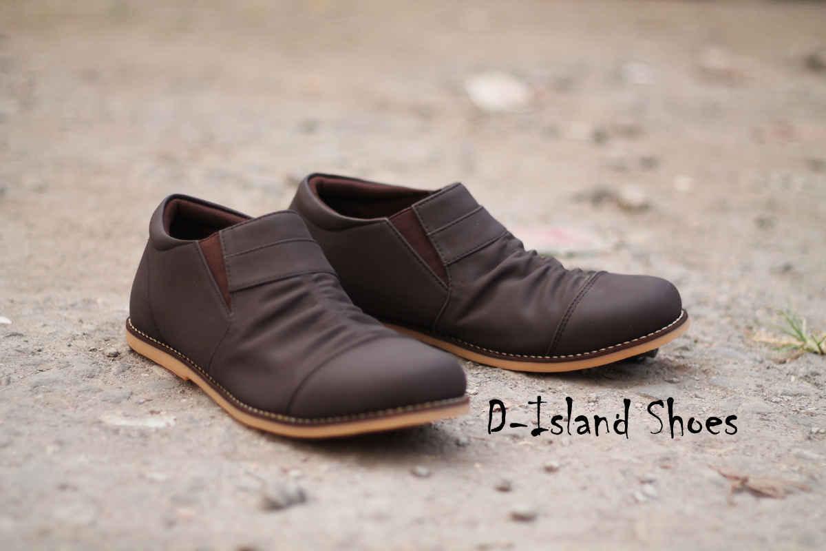 Jual Sepatu D-Island Slop Coklat Tua - multi-shop  e6ed956282