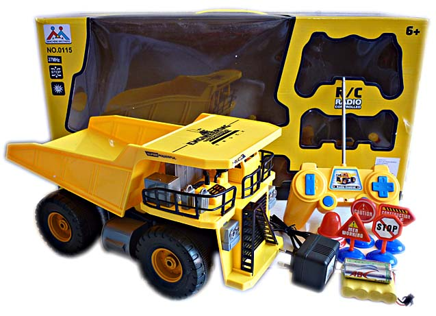 R/C Truck Power Dump Truck Under Construction 1:22