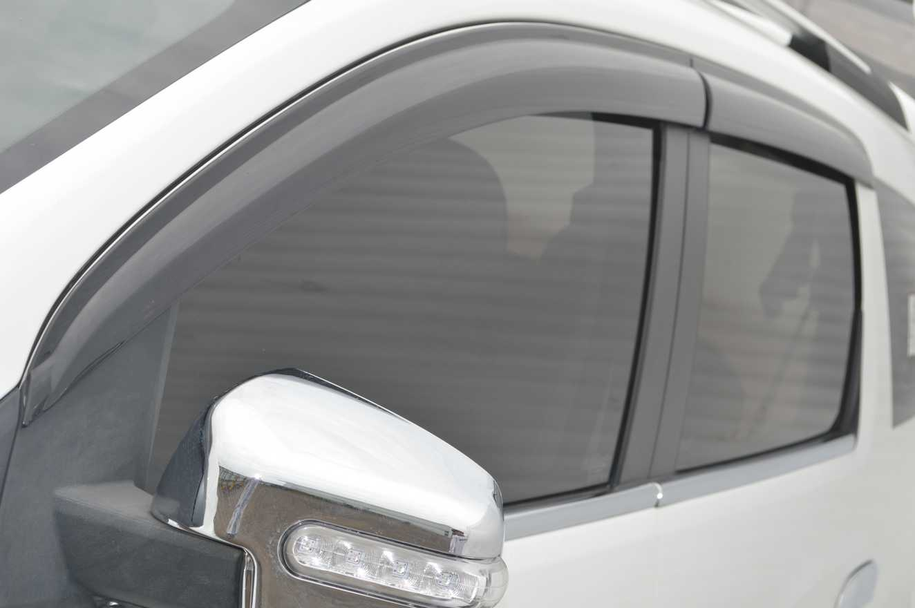 Variasi Mobil Chevrolet Spin Terbaru Sobat Modifikasi Talang Air Door Visor T 120 Ss Injection High Quality Jual Side