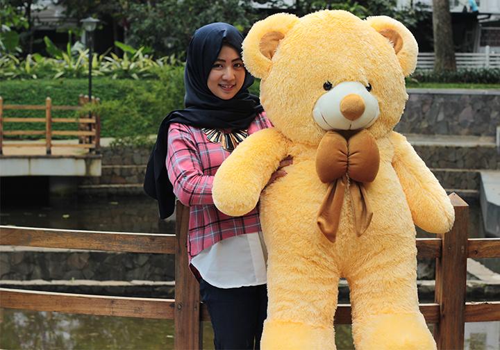Jual Boneka Beruang Teddy Bear Cream Super Jumbo 120 CM - Boneka Indonesia   d1d67d51fe