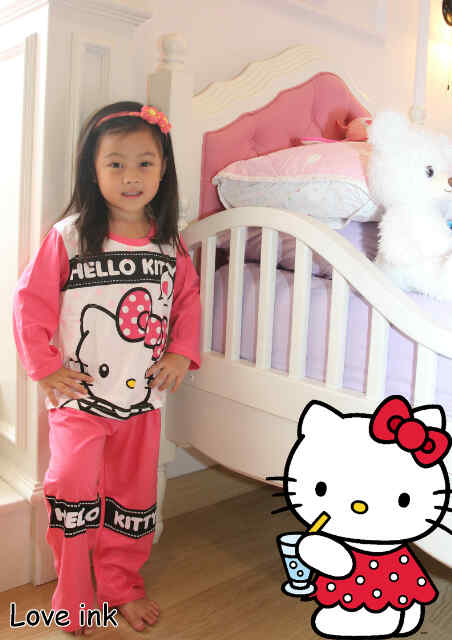 STKDHK113 - Setelan Piyama Anak Hello Kitty Say Love Pink Dot Murah