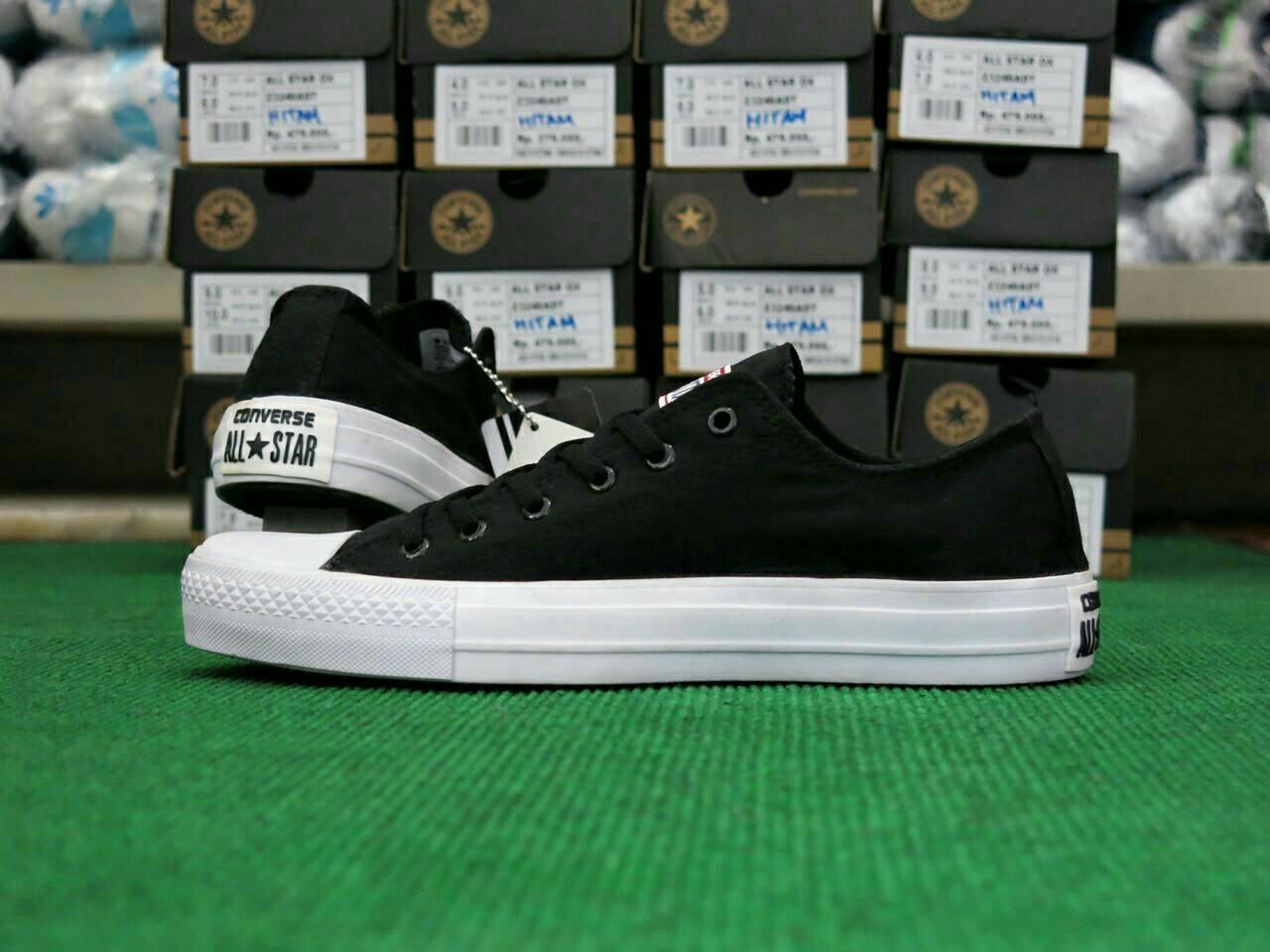 Jual Sepatu Converse Chuck Taylor GRADE ORI! Made By Vietnam ... 7cc037bc41