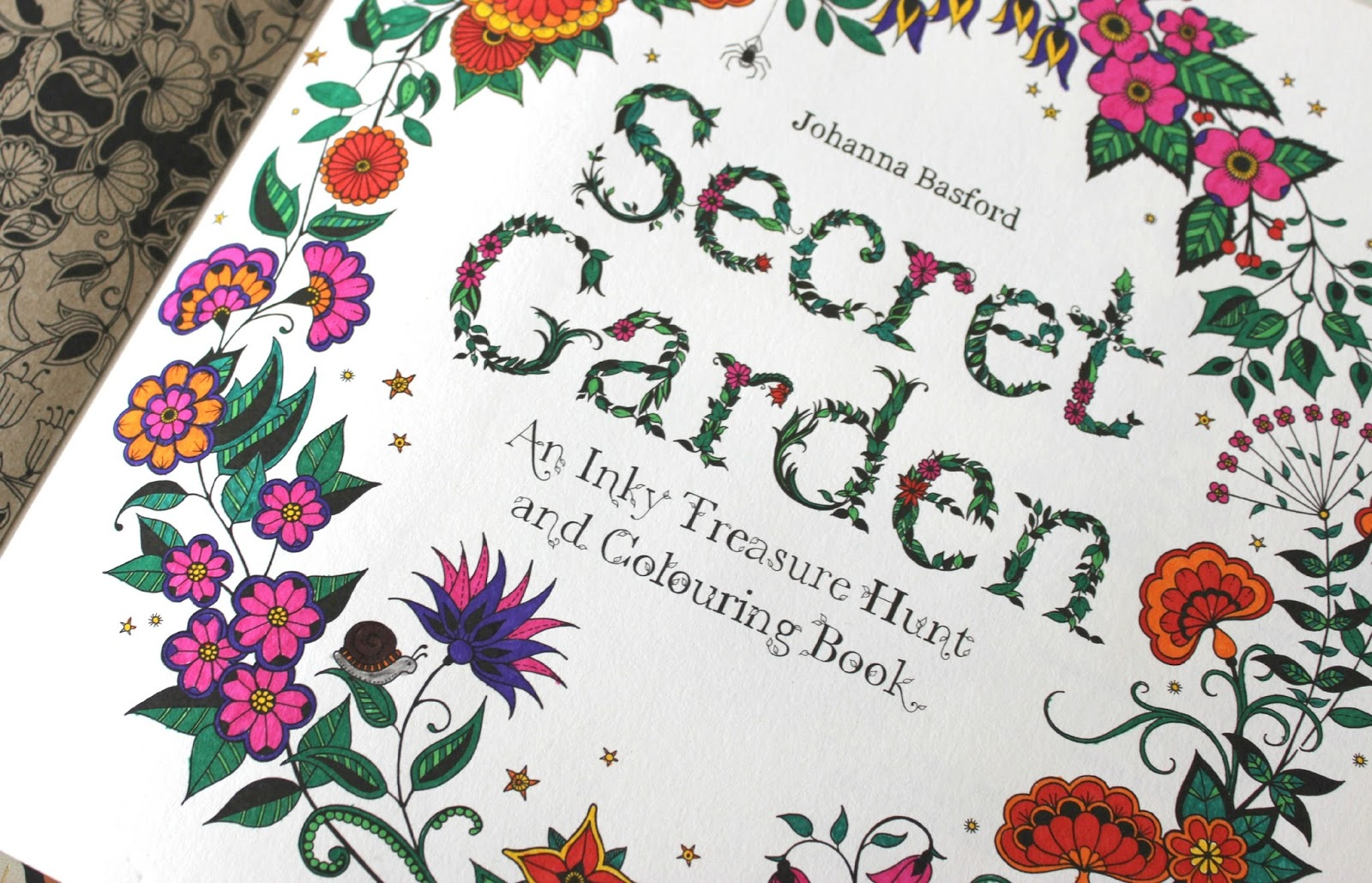 Jual Coloring Books Secret Garden Enchanted Forest Cafe Doodle Onigiri Frenzy