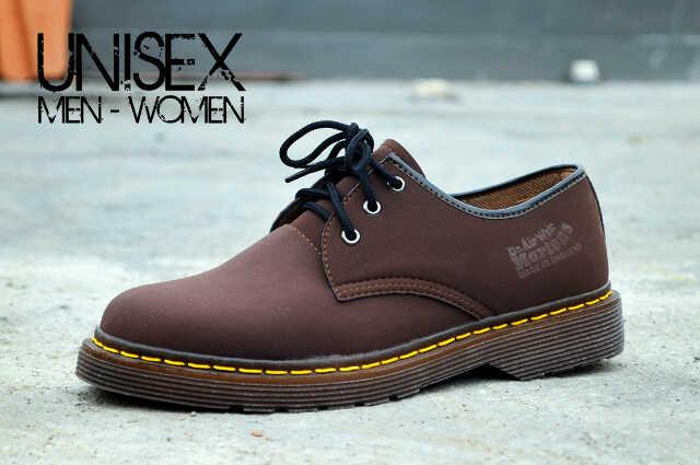 Jual sepatu modern santai kuliah kerja pria Wanita Dr Marten Docmart ... 1b5f339299