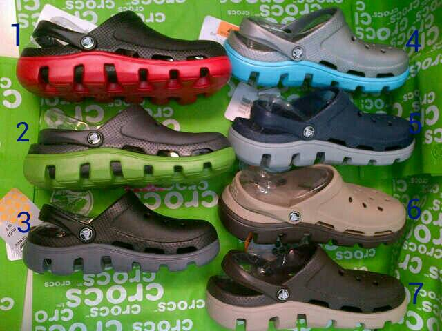 sandal crocs duet sport