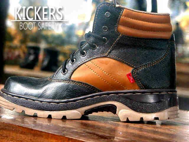 Jual Sepatu Boots Outdoor Kickers Safety Kulit / pria touring lapangan