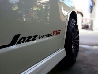 Stiker Honda Jazz Fit Freed Brio i-vtec RS