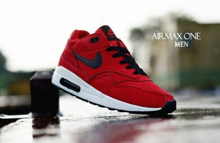 Jual Sepatu Nike Airmax One Merah Hitam Keren Cowok Santai Sport 678b4052a3