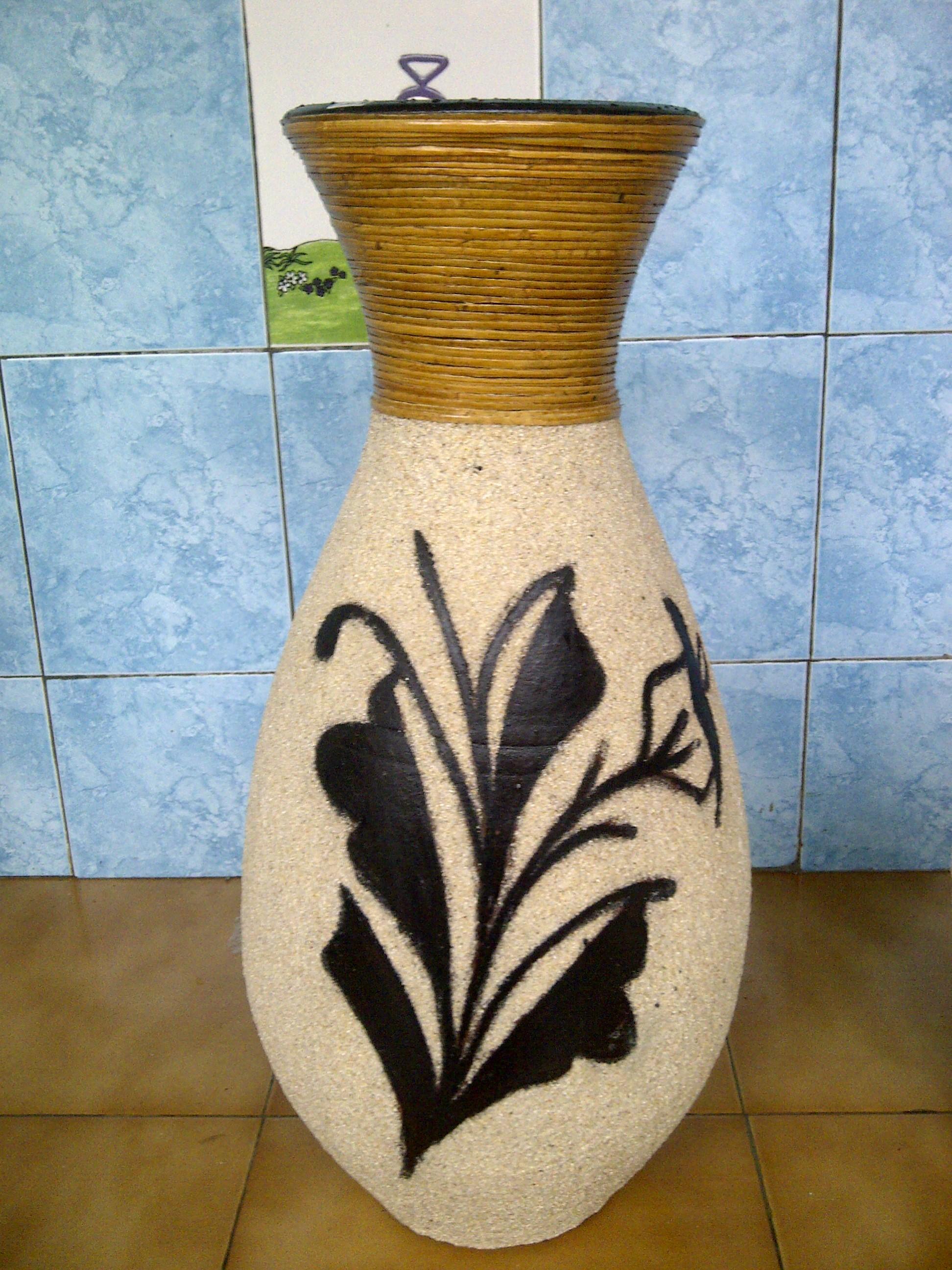 Contoh Gambar Vas Bunga Dari Tanah Liat Belog Kite Kite Aje