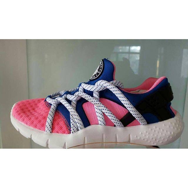 Running women pink biru