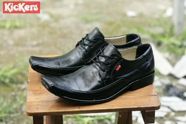 Jual Sepatu Pantofel Kickers Hitam / Kulit Murah