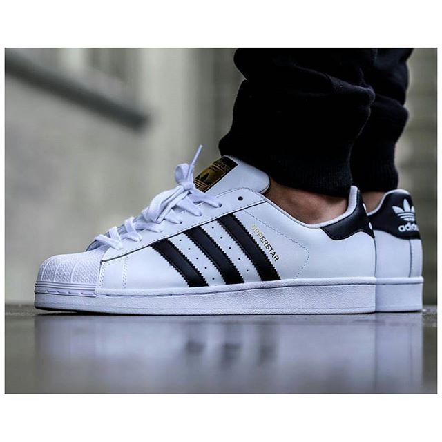 Sepatu Adidas Superstar Sepatu Adidas Superstar Original Murah ... Adidas  Superstar Putih List Hitam Original . 9bec0b3f15