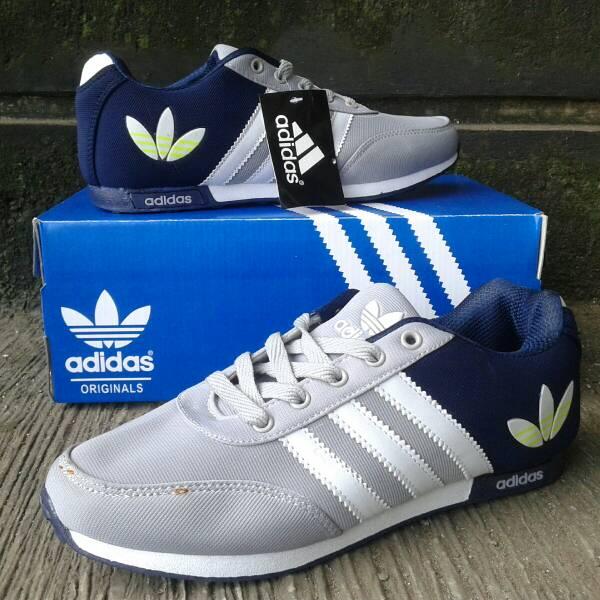 505b68edb634 adidas md runner