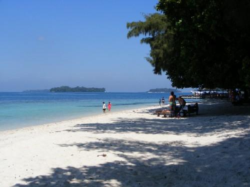 ini paket wisata ke pulau Sepa satu hari day trip dengan harga discount