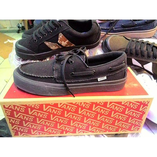 485adfc9ef Buy all black vans zapato