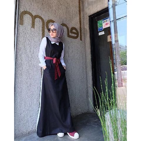 Baju Hijab Murah Monella Black