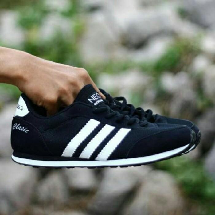 Jual Sepatu Sport Casual Adidas Neo Clasic Hitam Putih   kets pria cowok -  Lapak Sepatu Sby  7563a29dd0