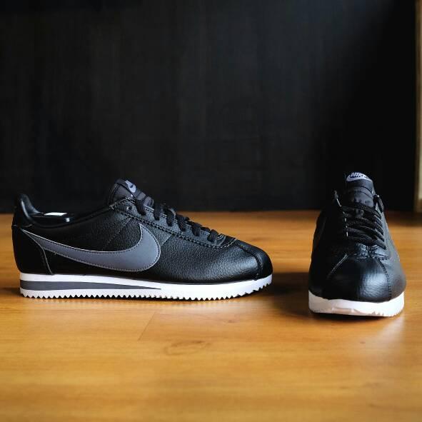 lowest price 9d850 c86a1 ... store sepatu jual nike classic cortez leather 8d0b5 1301e ...