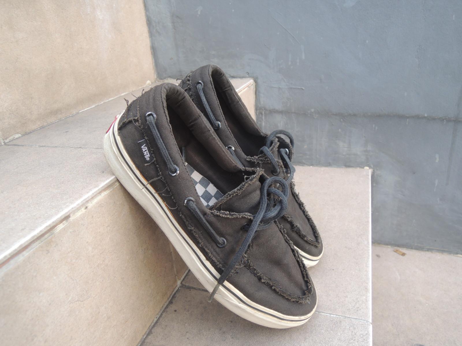 sepatu vans frozen