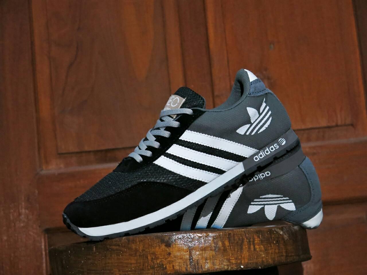 ... hot sepatu sport adidas neo v racer grade ori hitam abu abu . 61e8e  a0c69 8716fcbf47