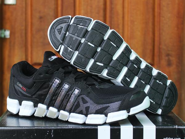 Jual Sepatu Running Pria Adidas Climacool Beckham Hitam   Biru - EDANIN  SHOES STORE  c9aa2f5410