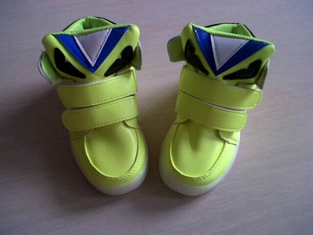 Promo Murah M11v51 Fendi Lamp Shoes Sepatu Lampu Led Anak I Laris G3i8 -  Blanja. a17ab3b229