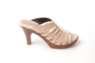 harga Sandal High Heels Kayu Blanja.com