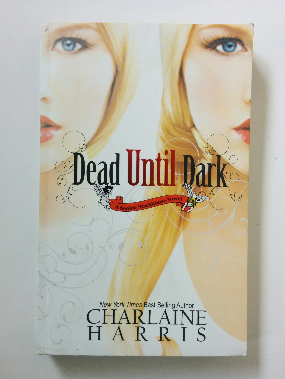 A Sookie Stackhouse Novel: Dead Until Dark (buku 1)
