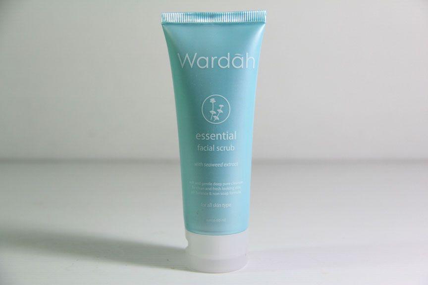 Essential Facial Wash Review Female Daily Source · 3861626 6b3c50ee e7c4 4364 8b95 ad7361538d30 jpg