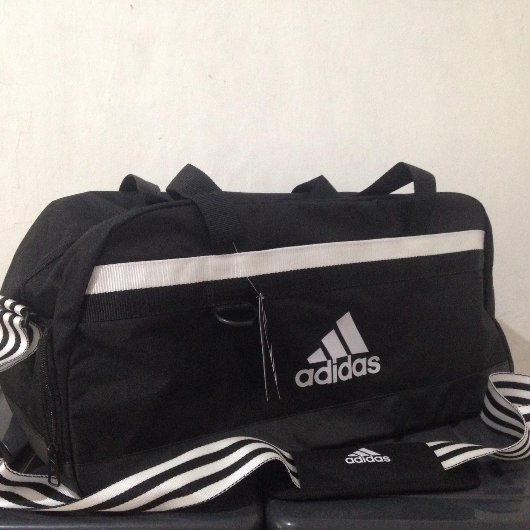 bb91cb285562 ... new style 42436 3f7b4 Jual Sport Bag Adidas Tas Fitness Gym Olahraga  Tiro Shoes Sepatu Hitam ...