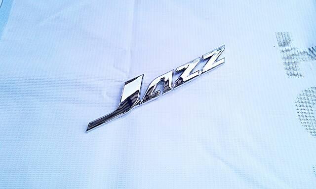 Emblem Tulisan Jazz Crome