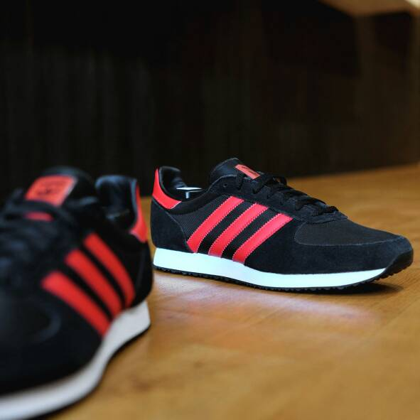 newest 998be 2cae8 buy>adidas zx racer red