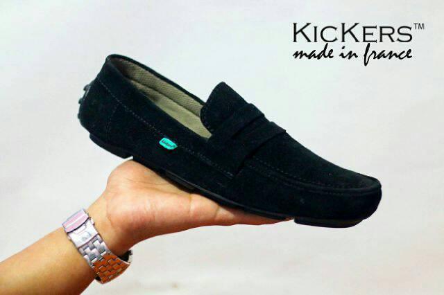 sepatu kickers slip on zevin black suede