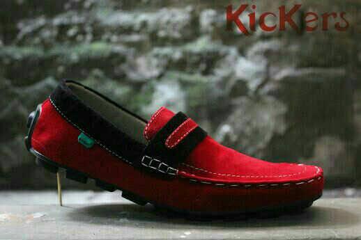 sepatu casual kickers mokasin merah suede
